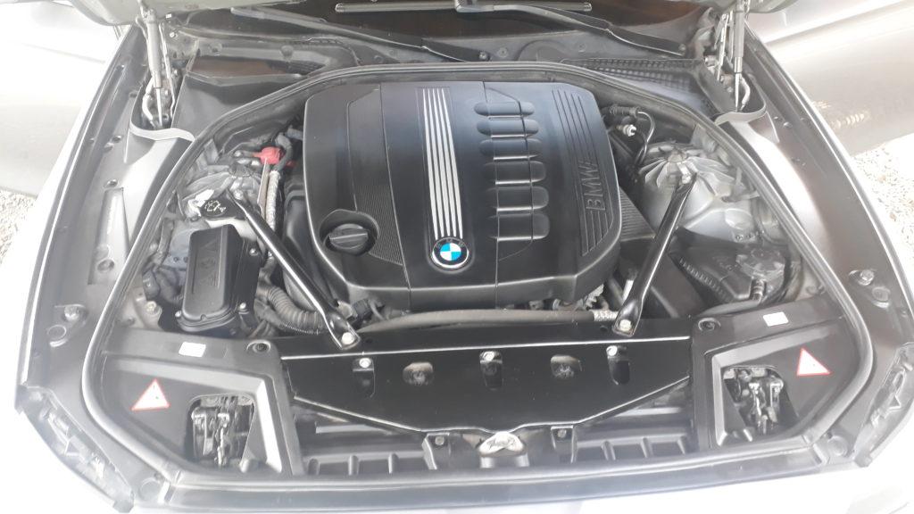 čištění BMW, motor, po čištění